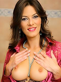 Anita Queen