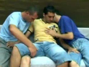 Gay Bottom Gets Gang Banged