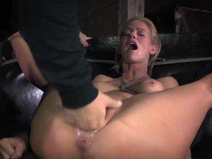 Sexy milf tira