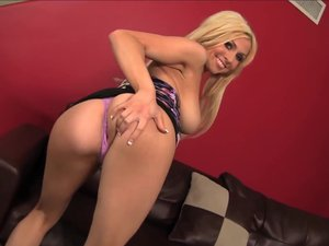 Blonde tattooed pornstar Christie Stevens swallows bbc