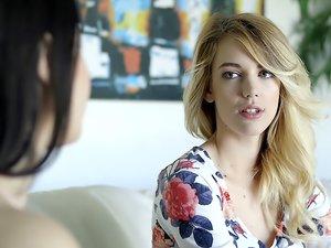 Blake Eden & Yhivi - A Lesbian Romance 3