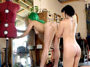 Emerald & Natalie - Fashion Junkies pt1