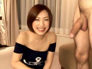 Nanako Haruna is kneeling on the floor for a good reason