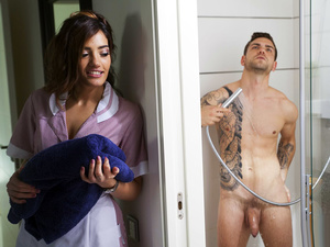Latina Sex Tapes – Cheating Hubby Rewarded for Gift