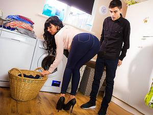 Dirty Laundry, Dirtier MILF