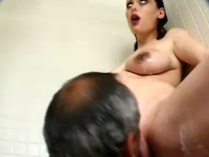 Pregnant hottie gets pussy pounded during shower