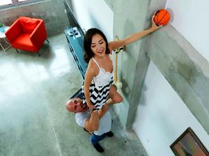 Don't Break Me  –  Tiny Girlfriend in Crazy Positions