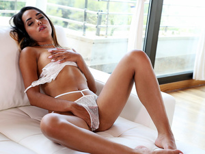 Passion HD – Waiting For Her Man