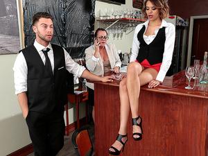 Sneaky Sex – Wet Bar
