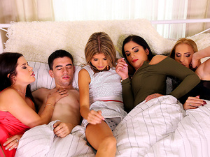 Moms Bang Teens – Partys Over