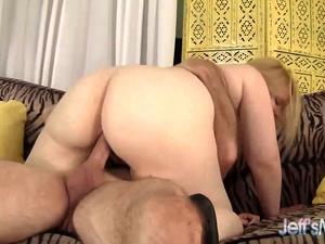 Pleasingly Plump Ilena Kuryakin Bounces Up and Down on a Thick Cock