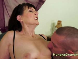 Mature Slut Gets Her Hairy Cunt Boned