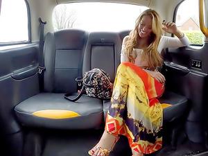 Sex addict fucks in taxi