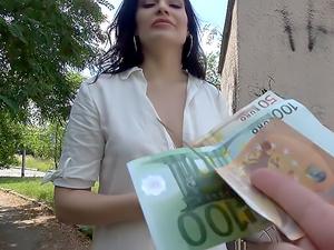 MILF fucks stranger for his cash