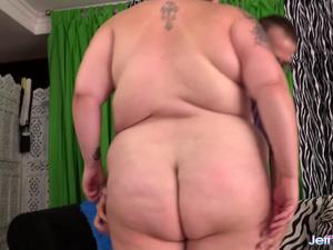 Plumper Valhalla Lee gets missionary sex