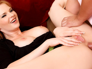 Gorgeous blonde MILF Tarra White spreads her ass cheeks for a big cock