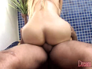 Sexy Latina Shemale Rafaely Dubenstay Takes a Black Cock in the Ass