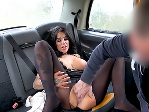 Backseat anal fuck and big facial