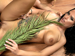 XXX-Jungle Parody Sarah Star is Conny Dachs fuck reward