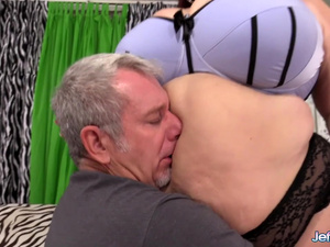 Old Deviant Worships Mature BBW Lady Lynn Before Stuffing Her Plump Pussy