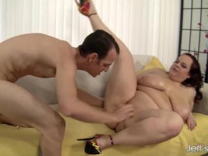 Fat Slut with Big Natural Milkers Jordan Luxx Rides a Skinny Guys Cock