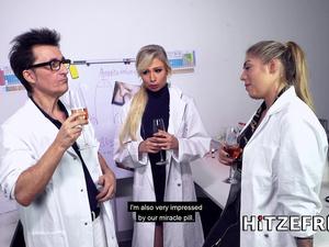 HITZEFREI Dr Mia Blow masturbates in the office
