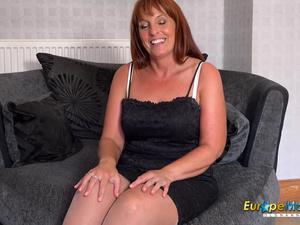 EuropeMaturE Solo Mature Lady Toying Masturbation