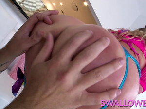 SWALLOWED Adira Allure has her tonsils tickled