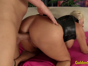 Golden Slut - Plowing Her Mature Pussy in Doggystyle Compilation