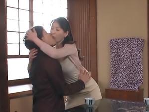 Mature Hitomi Oohashi enjoys large hard penis