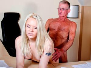 прощения, что парни уломали девушку на секс за деньги смотреть онлайн закладки Кто его