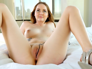 Leigh's First Anal