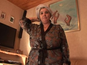 Big mama getting jizz on her tits