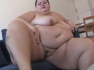 This big lady loves getting horny by herself