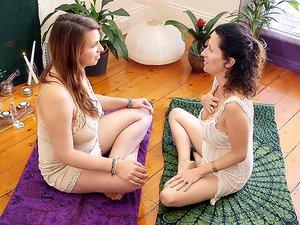 Christina & Sundari - Tantra 101