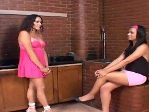 Monique and Suzy gorgeous trannies on video